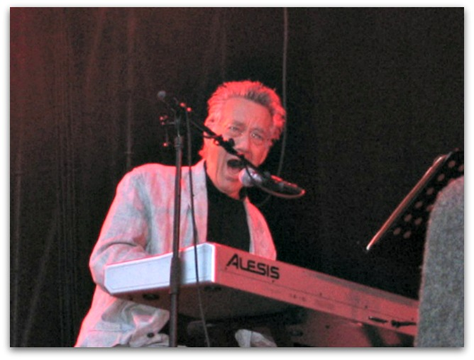 Manzarek in March 2006, performing in the Netherlands